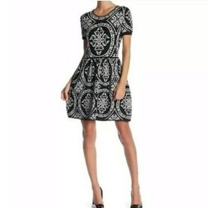 ROMEO + JULIET COUTURE Fit & Flare Sweater Dress M